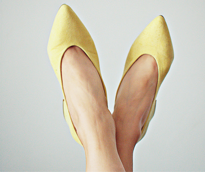 shine-business-yellow-shoes